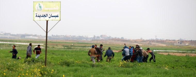 video:-israelische-bulldozer-en-tank-vallen-gaza-binnen-om-de-lichamen-van-twee-gedode-palestijnen-op-te-halen-–-docp
