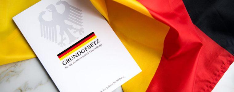 de-grondwettelijke-noodtoestand-|-kenfm.de