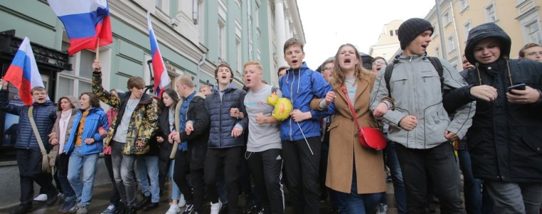 russia-could-jail-adults-for-10-years-for-encouraging-youth-to-protest,-according-to-proposed-legislation