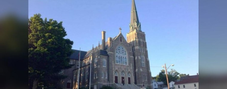 connecticut-catholic-church-defaced-with-satanic-&-anarchist-symbols,-as-spate-of-vandalism-attacks-targets-christian-sites