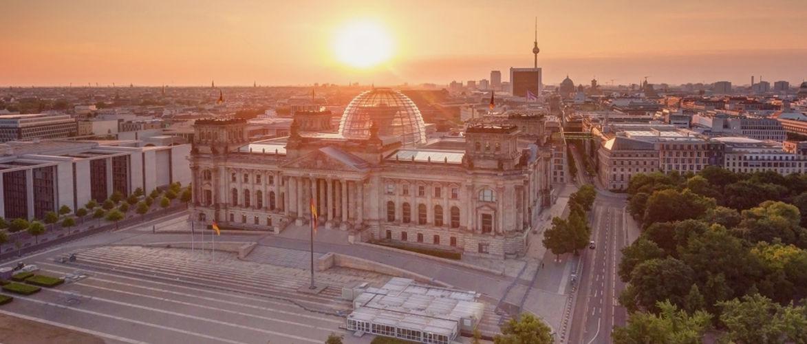 de-grootste-constitutionele-bijeenkomst-in-de-geschiedenis,-door-anselm-lenz-en-batseba-n'diaye-|-kenfm.de