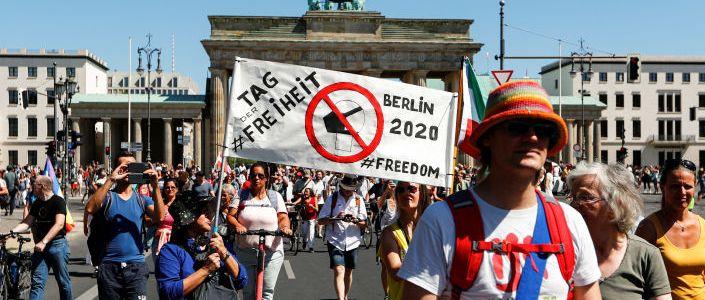 """""""das-ende-der-pandemie-–-der-tag-der-freiheit"""":-corona-kritiker-demonstrieren-in-berlin-–-videos"""