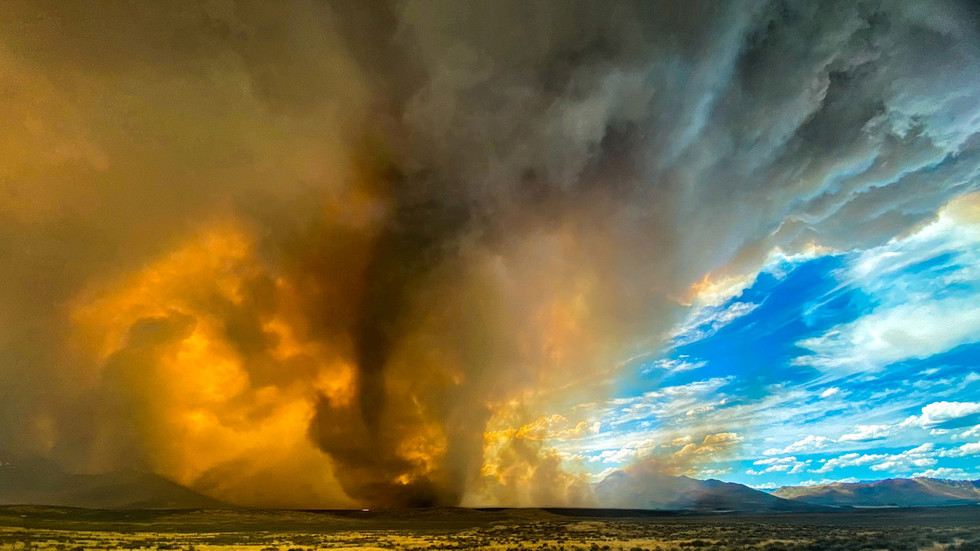 scorched-earth:-california-hit-by-lightning-storms-so-powerful-they-reignite-wildfires,-create-fire-tornados-(photos,-videos)