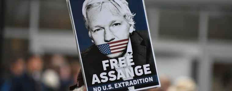 'it's-david-v-goliath':-assange's-partner-launches-crowdjustice-appeal-to-help-stop-wikileaks-founder's-extradition-to-us