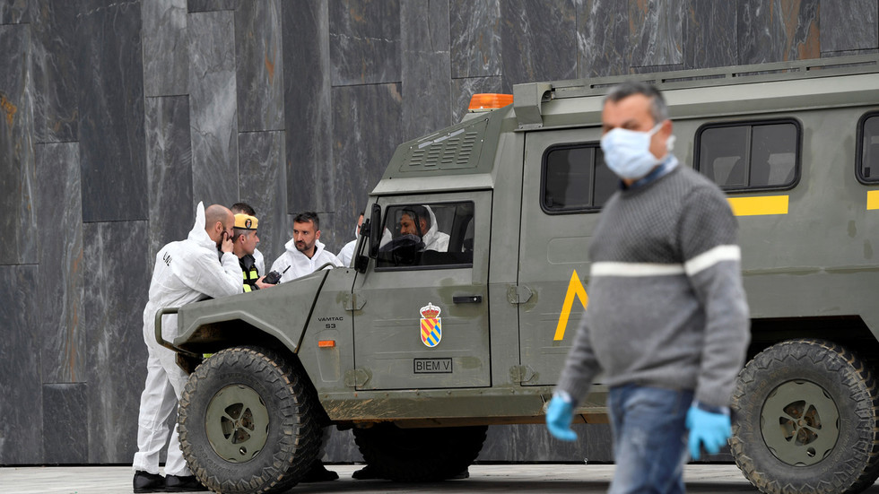 spanish-pm-offers-to-deploy-2,000-troops-to-help-regions-trace-covid-19-cases