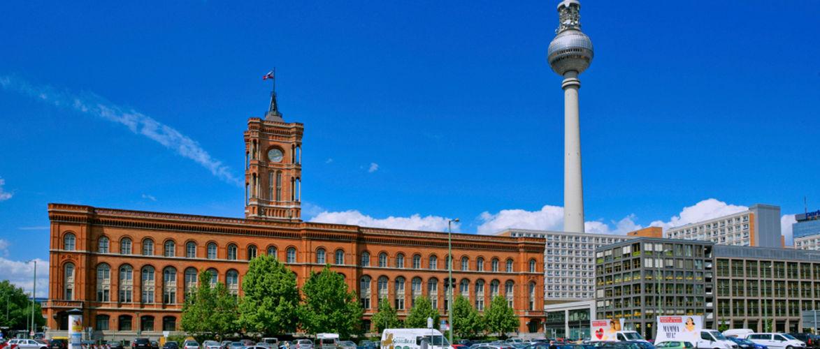 2908-berlijn:-senaat-is-voorstander-van-de-geweldsvariant-|-door-bernhard-loyen-|-kenfm.de