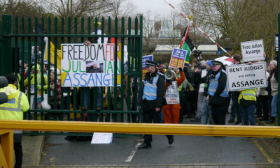 decentralized-month-of-solidarity-with-assange,-whistleblowers-and-press-freedom-worldwide-–-defend-wikileaks