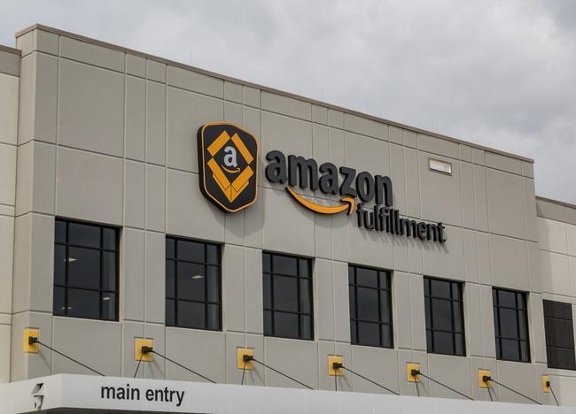 amazon-keeps-spreading-across-america,-plans-1000-warehouses-in-suburban-neighborhoods