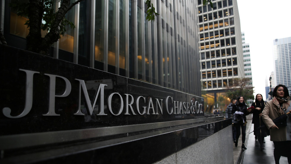 jpmorgan-&-top-global-banks-moved-trillions-in-dirty-money-for-oligarchs-&-criminal-networks-–-icij-report