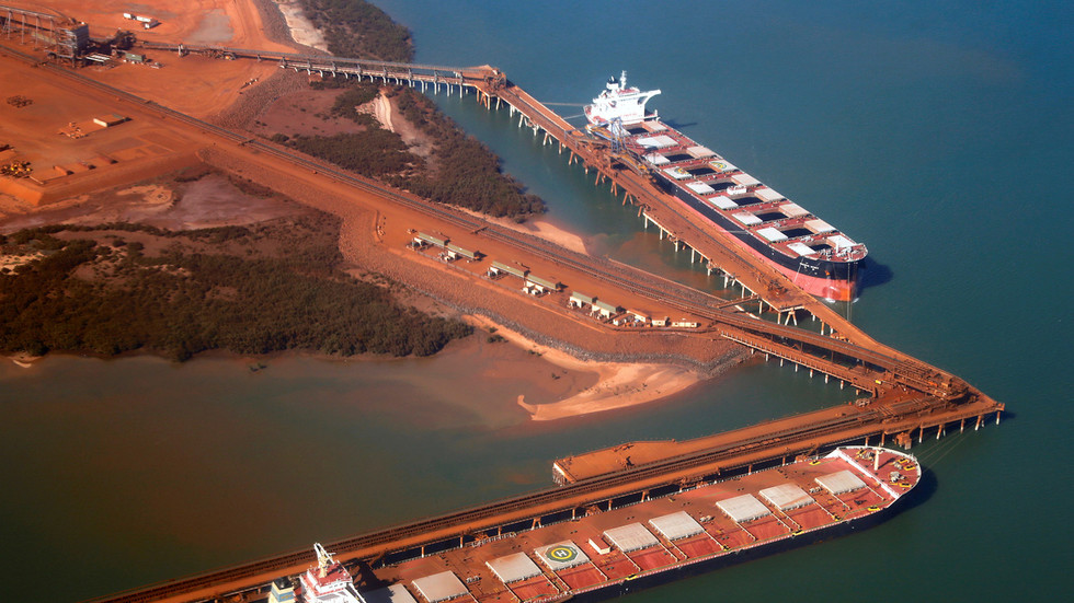 australia-sends-troops-to-help-contain-covid-19-outbreak-on-ore-ship-near-port-hedland