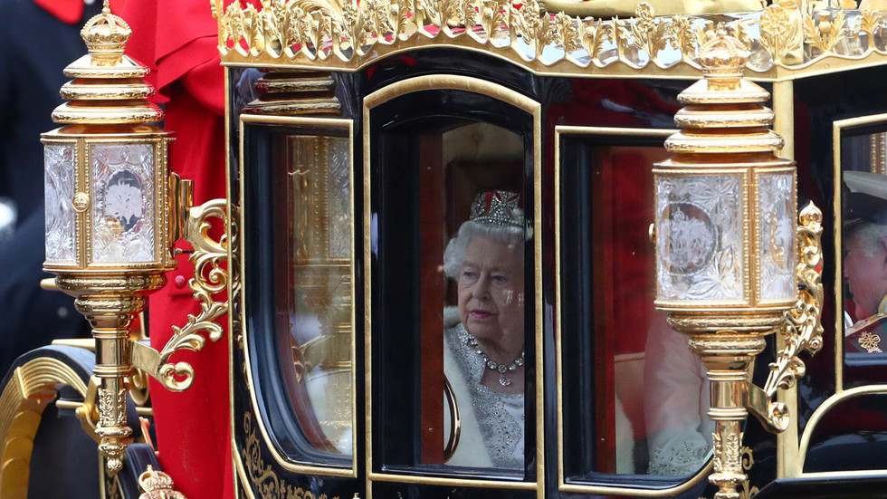 queen-of-england's-property-portfolio-like-any-other-'offshore-type-of-arrangement,'-so-she-can't-lose-–-keiser-report