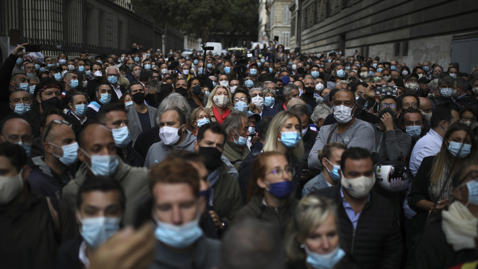 no-end-in-sight?-french-health-minister-doesn't-rule-out-third-wave-of-covid-19