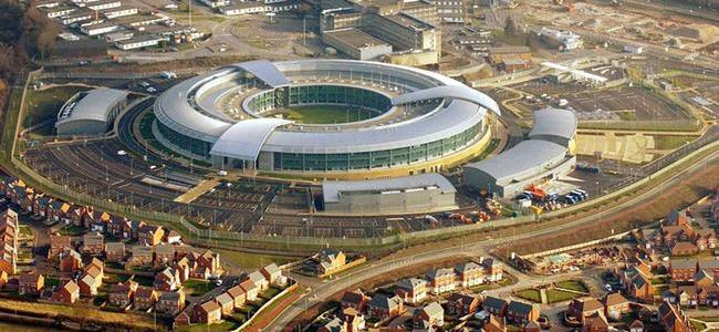government-spies-are-tracking-brits-movements-to-check-if-they're-complying-with-lockdown;-report