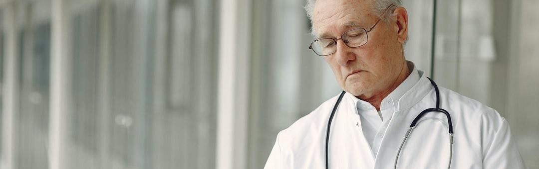 nederlandse-artsen-maken-vuist-tegen-coronabeleid:-'neem-geen-blad-voor-de-mond,-speak-up!'