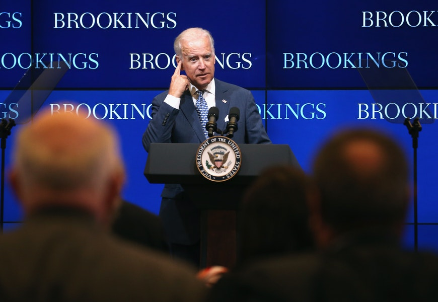 with-biden's-new-threats,-the-russia-discourse-is-more-reckless-and-dangerous-than-ever