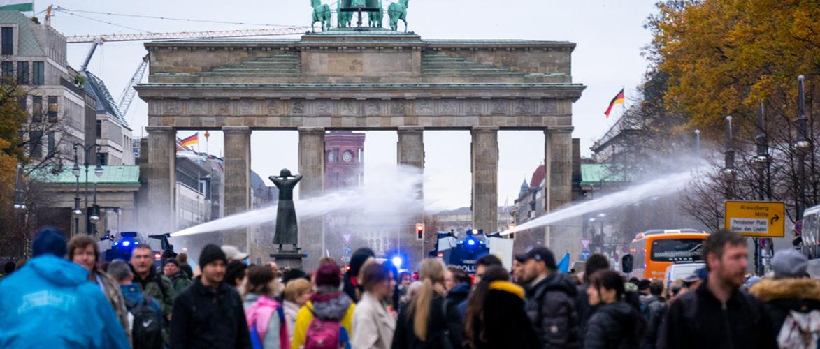 anpassung-oder-widerstand?-|-von-multipolar-redaktion-|-kenfm.de