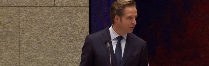 coronawet-zonder-kamerdebat-verlengd:-'idioot-dat-het-parlement-zich-zo-makkelijk-terzijde-laat-schuiven'