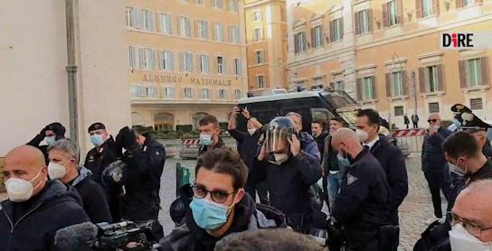 wenen,-napels,-rome:-politie-weigert-orders-uit-te-voeren-en-kiest-kant-van-het-volk-–-xandernieuws