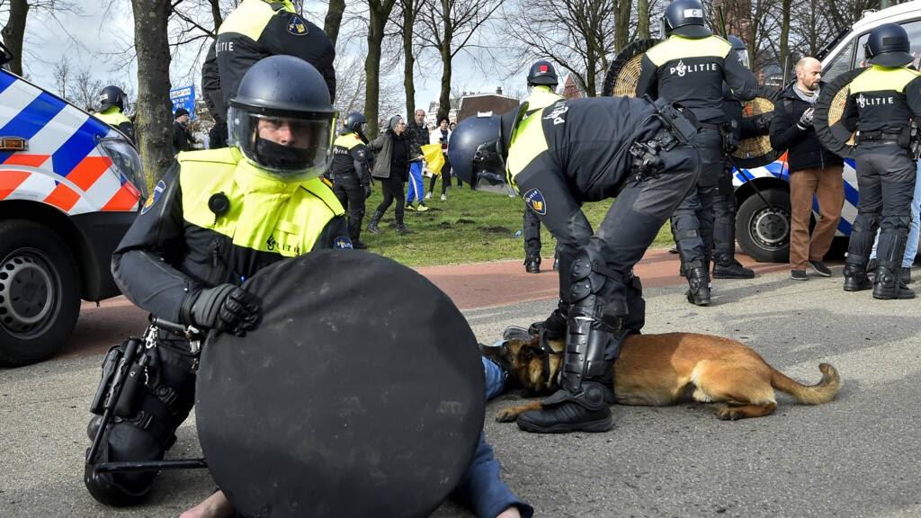 mainstream-media-proberen-politie-terreur-te-rechtvaardigen