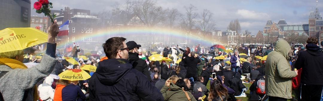 zanger-sluit-zich-aan-bij-demonstraties-tegen-coronamaatregelen:-'ik-maak-me-zorgen!'