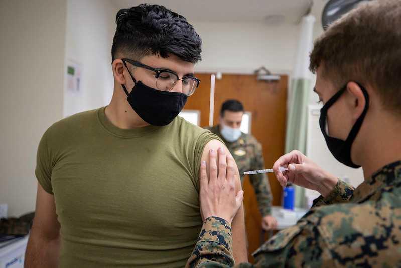bijna-40%-van-de-amerikaanse-mariniers-hebben-het-experimentele-mnra-vaccin-geweigerd,-voornamelijk-uit-angst-dat-het-te-snel-ontwikkeld-werd-–-frontnieuws