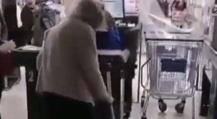 chili:-bejaarde-vrouw-mag-geen-eten-kopen-omdat-ze-niet-begrijpt-hoe-ze-digitaal-toestemming-moet-aanvragen-–-dissidentnl
