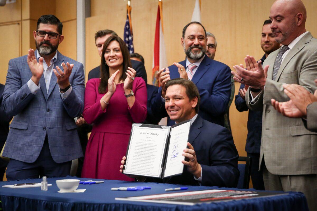 desantis-signs-bill-to-stop-big-tech-censorship-of-floridians