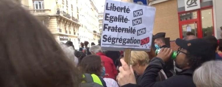 beelden:-enorme-protesten-in-heel-frankrijk-tegen-macrons-vaccinpas