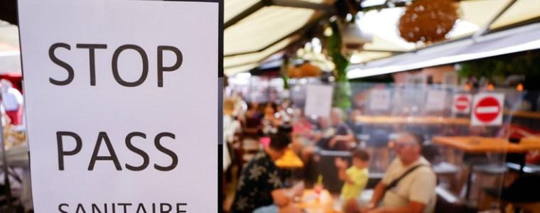 """frankreich:-burger-sind-gegen-den-gesundheits-pass-und-organisieren-""""wilde-terrassen"""""""