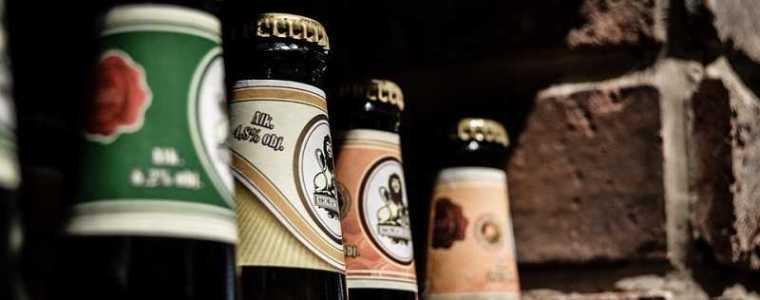 de-australische-overheid-controleert-nu-ook-de-alcoholconsumptie-van-lockdowned-ongevaccineerden