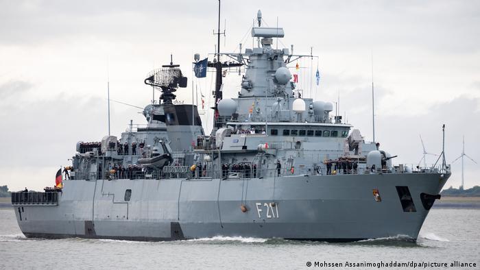 fregat-bavaria-op-reis-in-azie-stille-oceaan:-gezamenlijke-oefeningen-met-marines-van-tegenstanders-van-china-de-kritiek-op-de-tussenstop-op-de-onwettig-bezette-amerikaanse-basis-diego-garcia-neemt-toe.