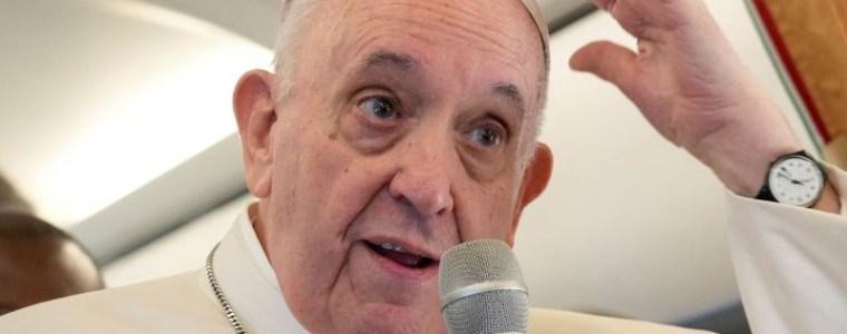 """paus-beweert-dat-zijn-critici-het-""""werk-van-de-duivel""""-doen"""