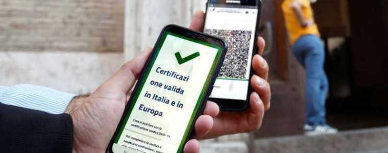 italiaanse-regering-beveelt-bedrijven-om-ongevaccineerde-werknemers-niet-te-betalen