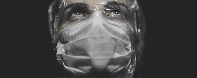 dr.-lee-merritt:-als-je-denkt-dat-je-tegen-een-virus-vecht,-dan-word-je-slachtoffer