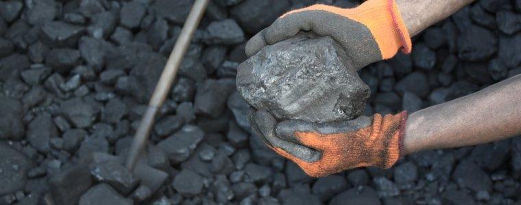 vanwege-het-zelfveroorzaakte-gastekort:-europa-vraagt-om-extra-steenkool-uit-rusland
