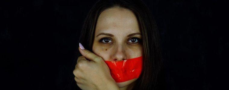 student-geschorst-als-hoofdredacteur-van-de-krant-wegens-maskerplichtartikel