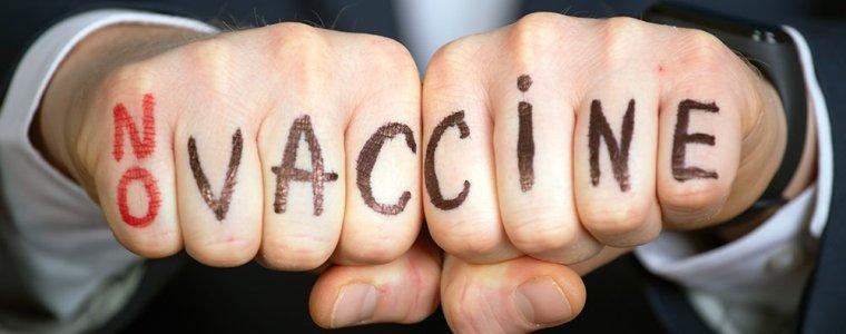 directeur-medische-ethiek-universiteit-van-californie,-irvine-op-'onderzoeksverlof'-wegens-aanvechten-vaccinatieplicht
