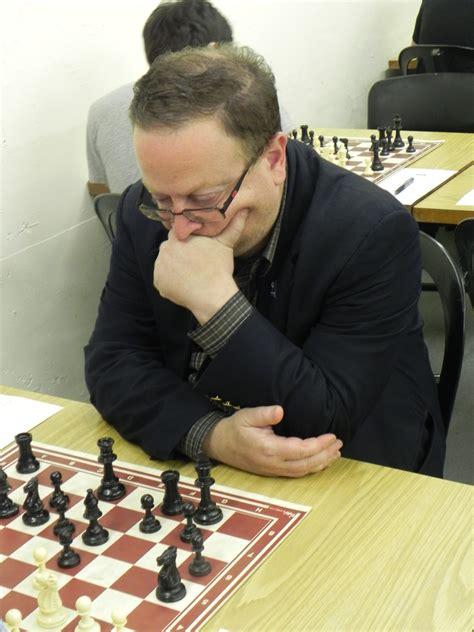 schaakmat?-schaakkampioen-doet-niet-mee-met-coronapas-–-cafe-weltschmerz