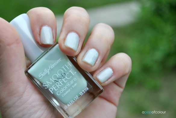 Sally Hansen Smooth & Perfect in Sea