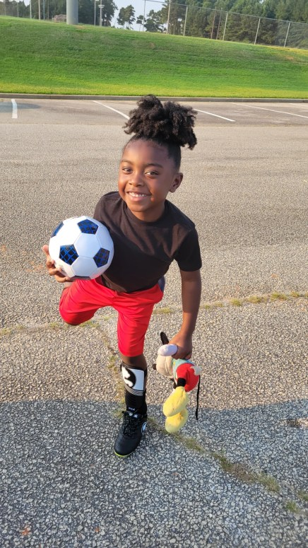 first soccer practice tips, soccer practice plans, soccer practice outfits, soccer practice poses for pictures, soccer mom tips, sports for kids, sports for boys, soccer mom life, activities for 5 year olds, 5 year old parenting tips, parenting a toddler boy, sahm schedule school age kids