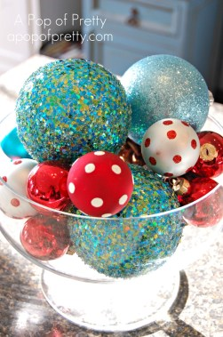 Christmas Decorating: Red & Turquoise