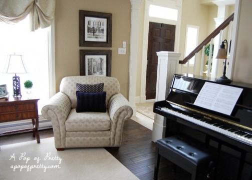 piano room decor