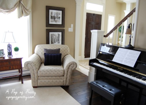 piano room decor