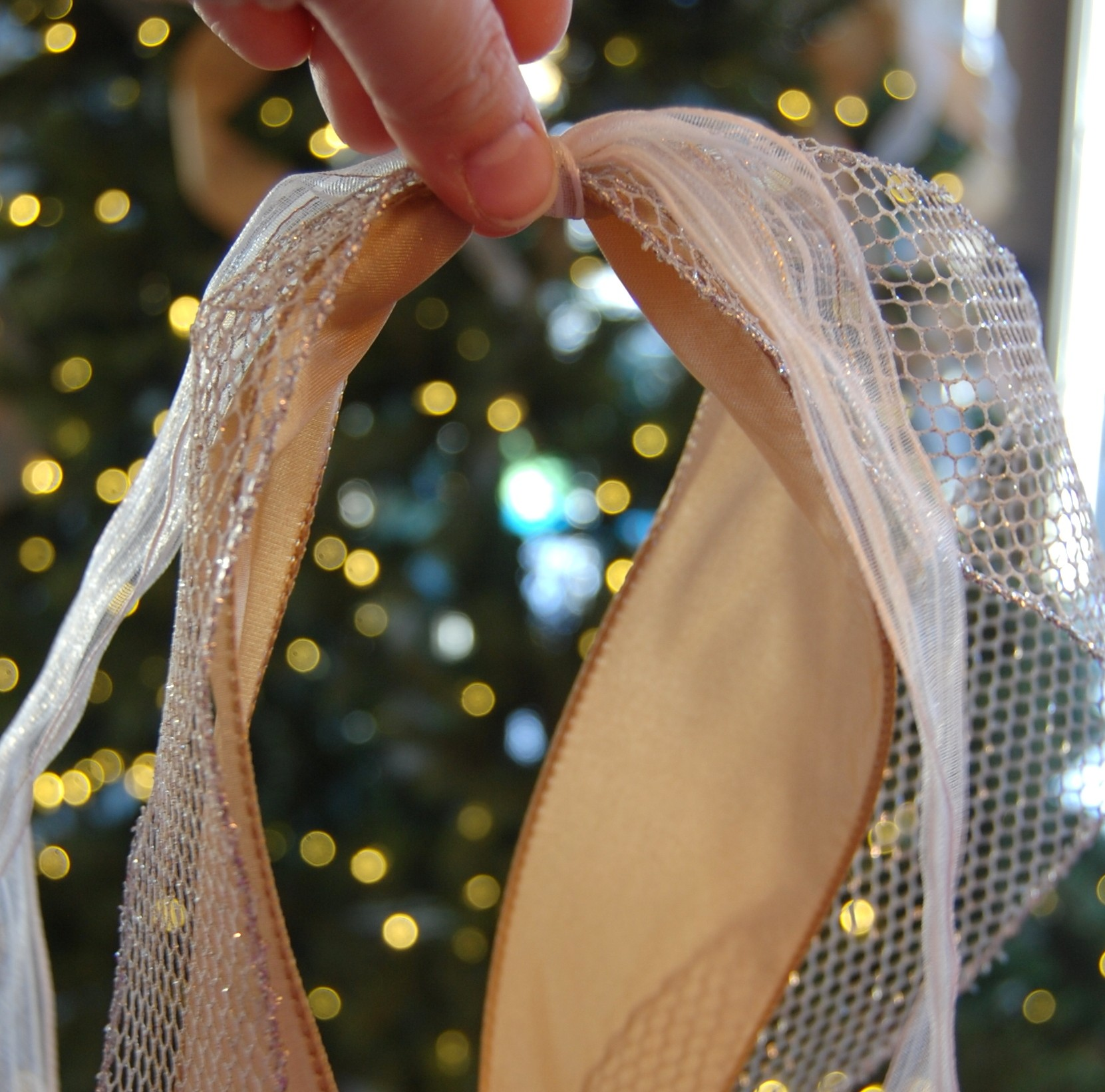 How to Add Ribbon to a Christmas Tree - A Pop of Pretty ...