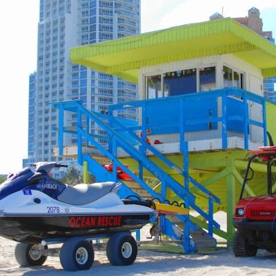 Kickin' it, Miami Style. (House-Peeping in Miami!)