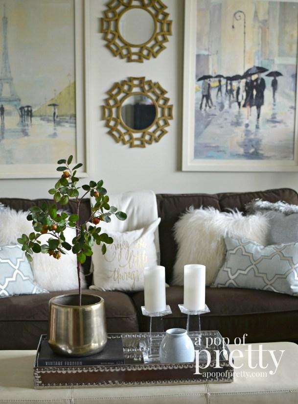 Canadian bloggers home tour - a pop of pretty - living room decor