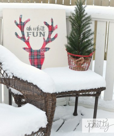 Red Plaid Christmas Deer Head sign