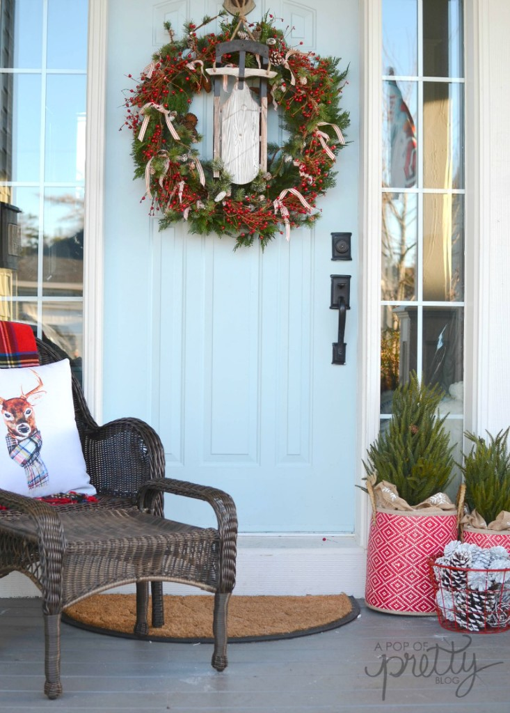 Rustic Christmas Front Porch Wicker Emporium A Pop Of Pretty Blog Canadian Home Decorating