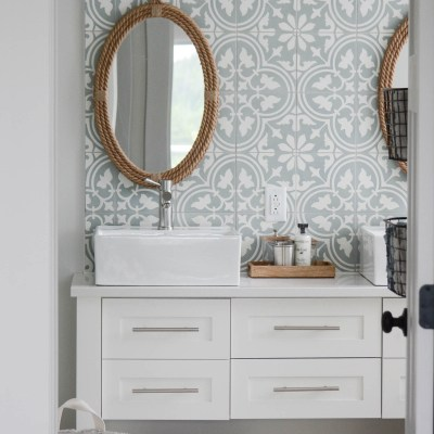 5 Things Your Modern Cottage Bathroom Needs