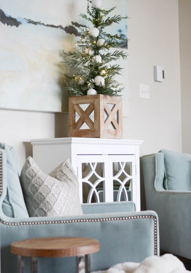 Simple White Christmas Home Tour 2018 - A Pop of Pretty Blog